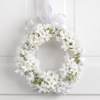 Stephanotis and Pearl Wreath
